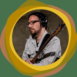 Bassdozent Tobias Fleischer